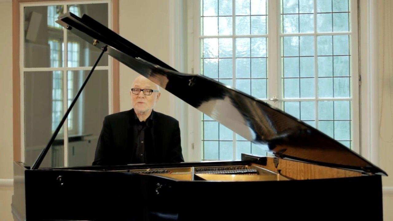 Siegfried Fietz Singt Von Guten Machten Wunderbar Geborgen Youtube Lieder Christliche Lieder Singen