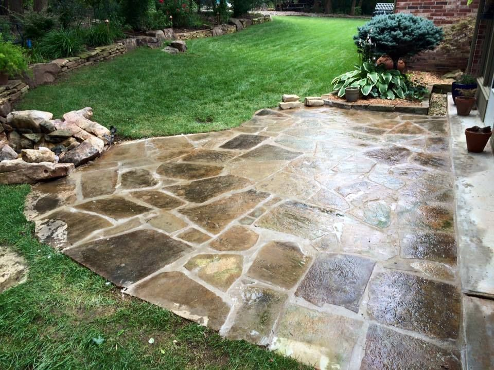 Retaining Wall Contractors Okc In 2020 Hardscape Healthy Landscape Retaining Wall