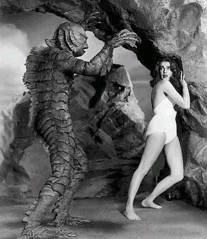 I think if I ever get hitched, my engagement photos will be a series of vintage horror movie posters. I'm the damsel, he's the wicked awesome monster/alien.