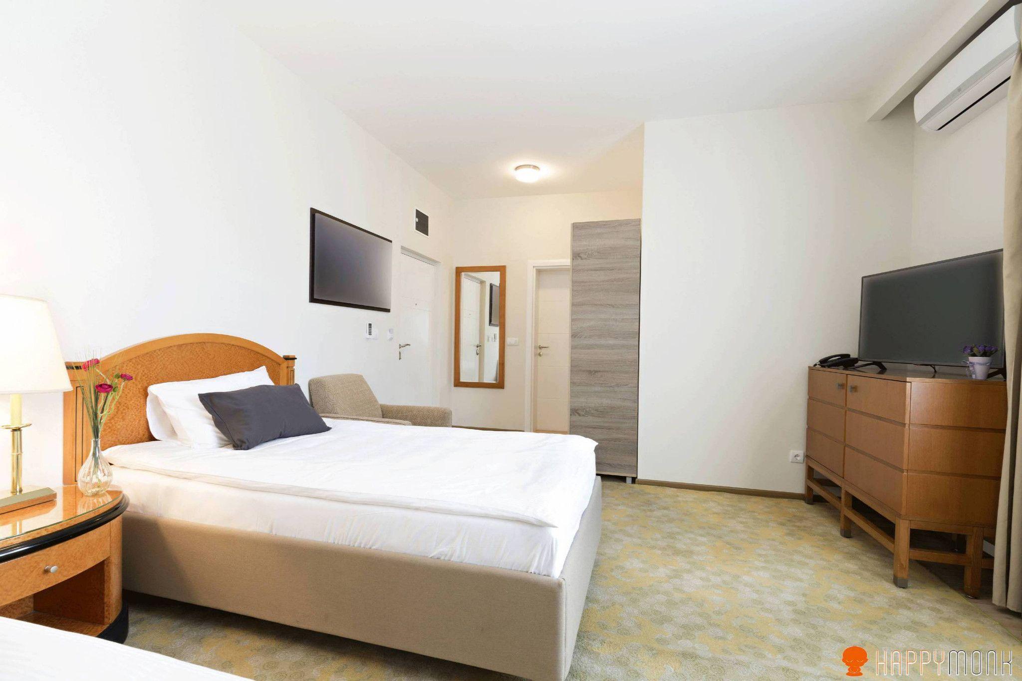 Designing A Bedroom Online Alluring Italian Interior Design For Bed Room  Happymonk  Italian Decorating Inspiration