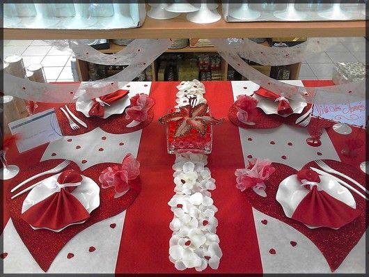Deco De Table Rouge Et Blanche A Coeur Ideale Pour Un Mariage Voir