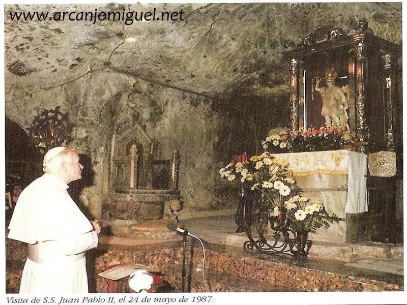 Aparição De São Miguel No Monte Gargano Arcanjomiguel Net Arcanjo São Miguel Querubim