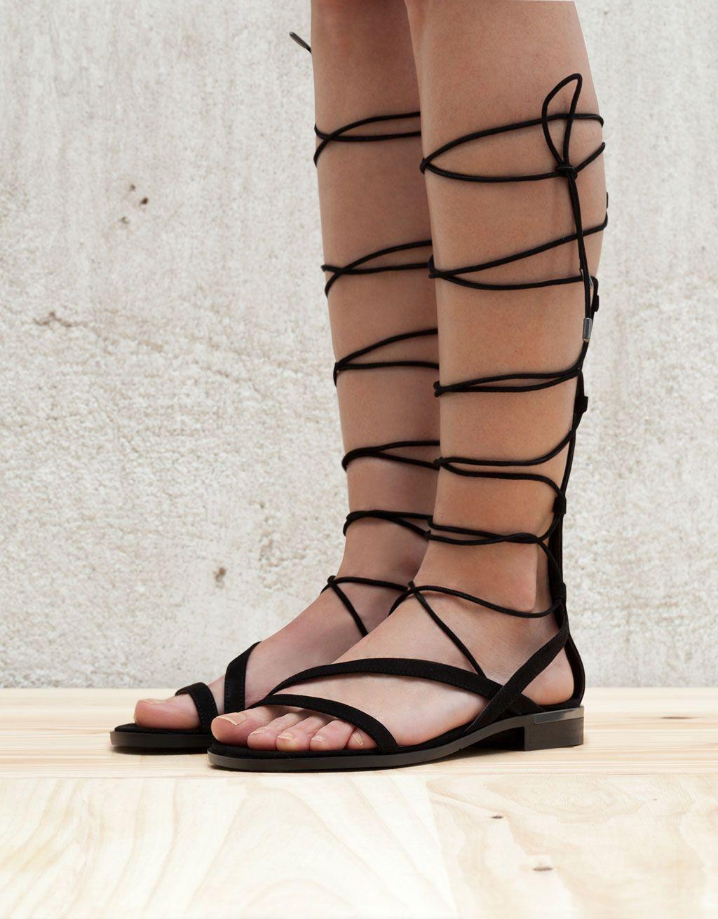 27d031e6 Sandalia Romana Alta | shoes | Sandalias romanas altas, Bershka y ...