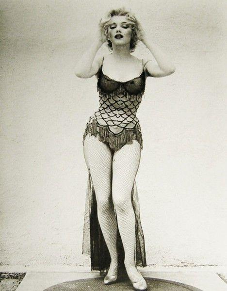 Marilyn monroe dress style black