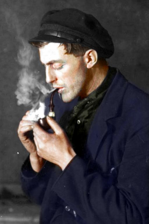 Swedish Fisherman in 1924 | Курильщики, Культура, Старики