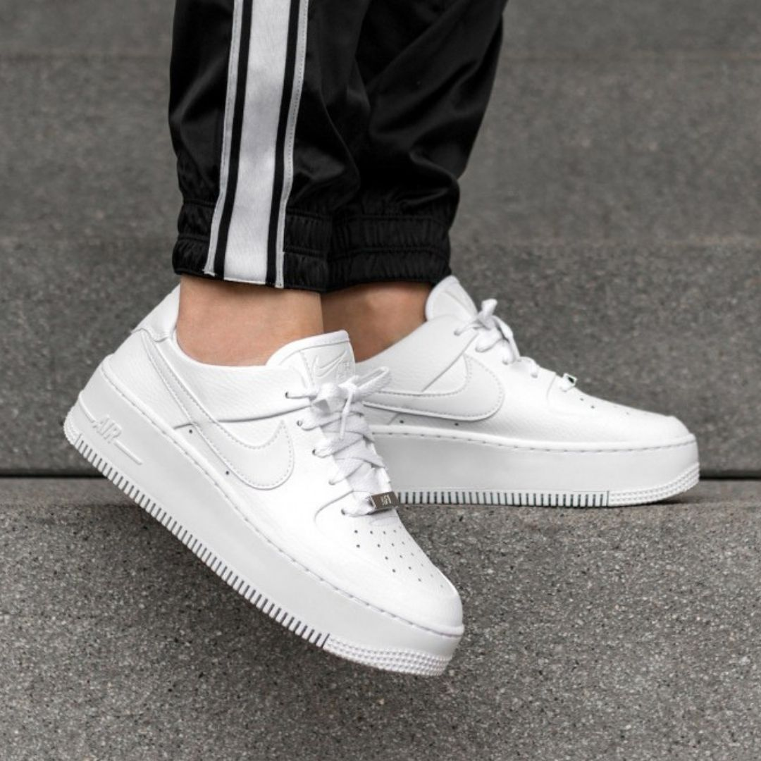 nike air force 1 mujer sage low