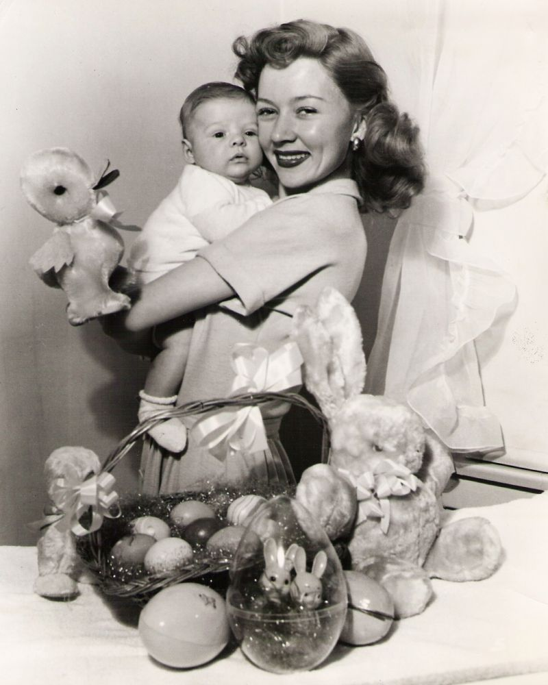 Gloria Grahame Images gloria grahame with her son timothy ray in 2019 | gloria