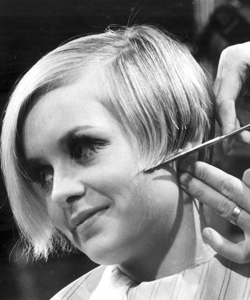 Twiggy Iconical Twiggy Hair 1960s Hair Twiggy Haircut