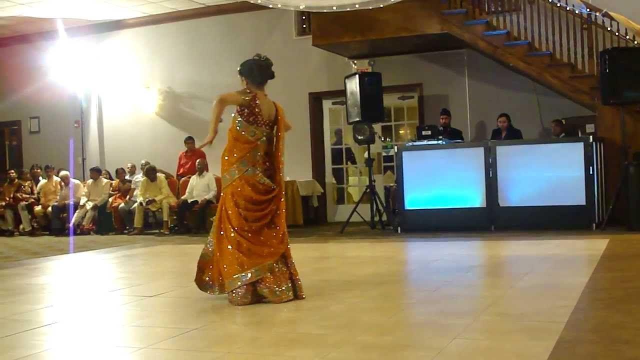 Mehndi Party Dance : Mehndi hai rachne wali dance performance party songs
