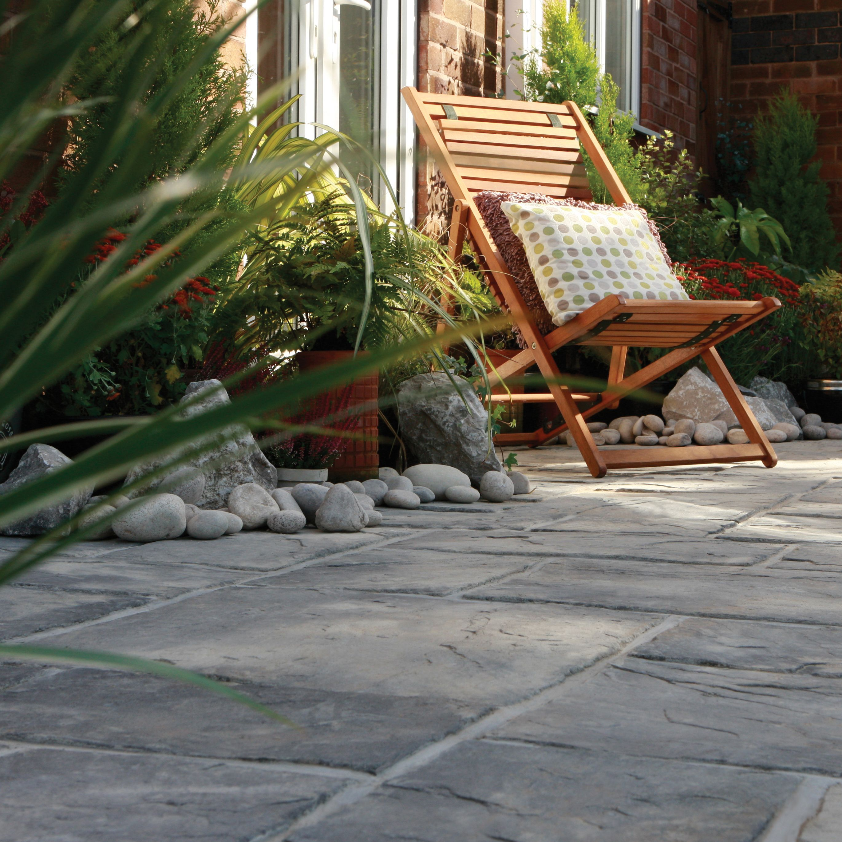 Bradstone Ancestry Riven Grey Reconstituted Stone Paving Kit