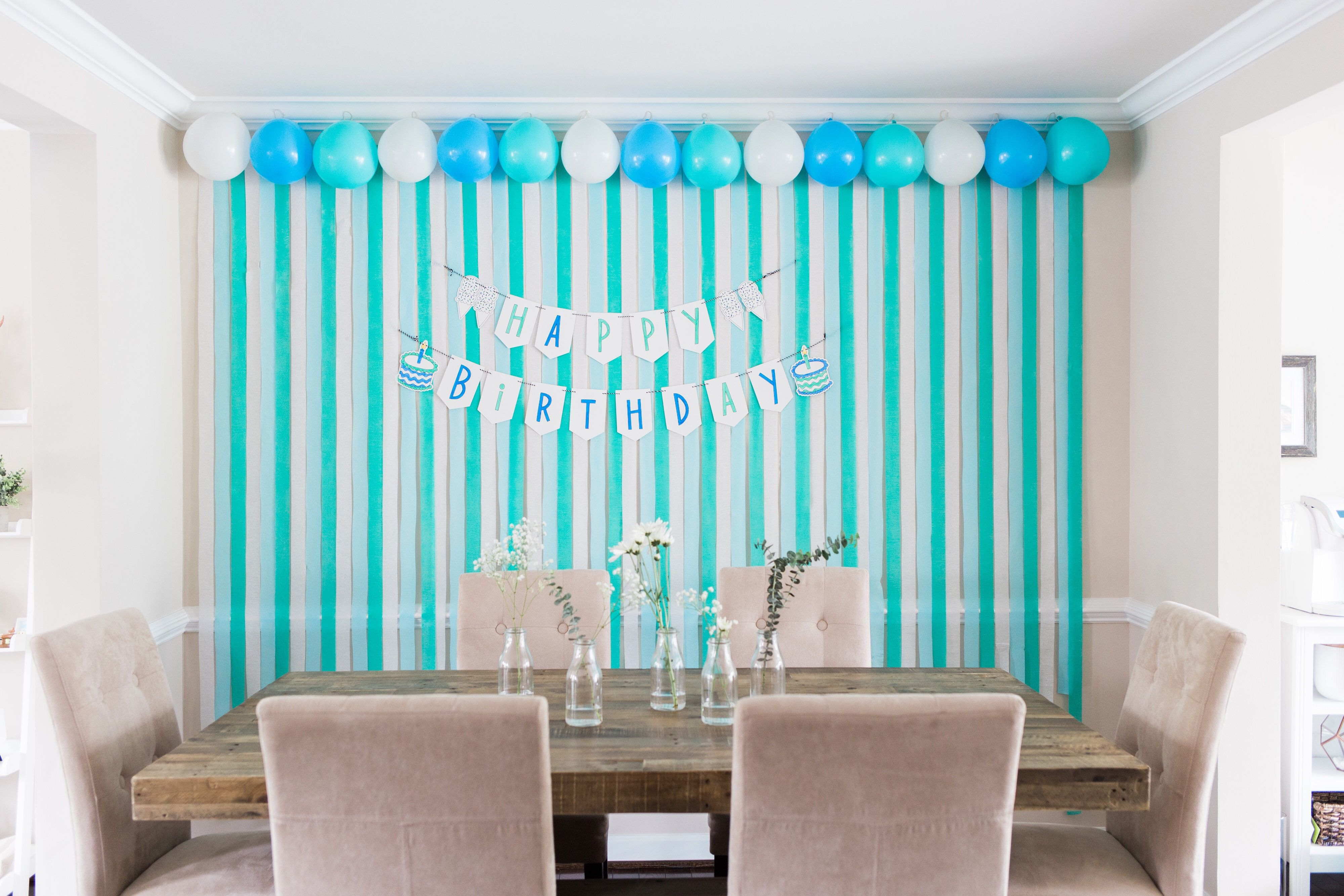 Diy Birthday Backdrop Using Balloons And Streamers Diy Backdrop