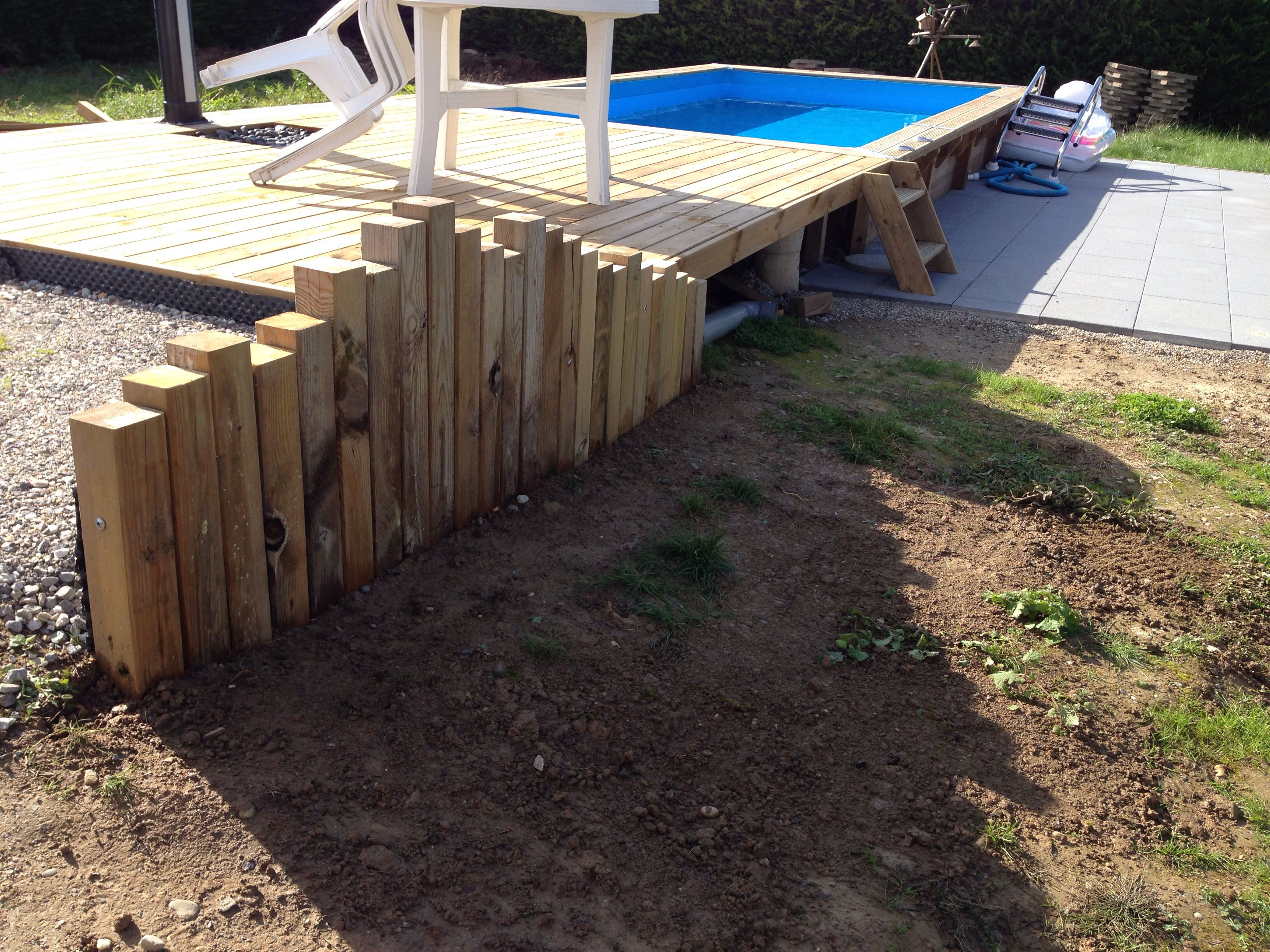 retenue de terre abris jardin construction terrasse bois construction terrasse et terrasse bois. Black Bedroom Furniture Sets. Home Design Ideas