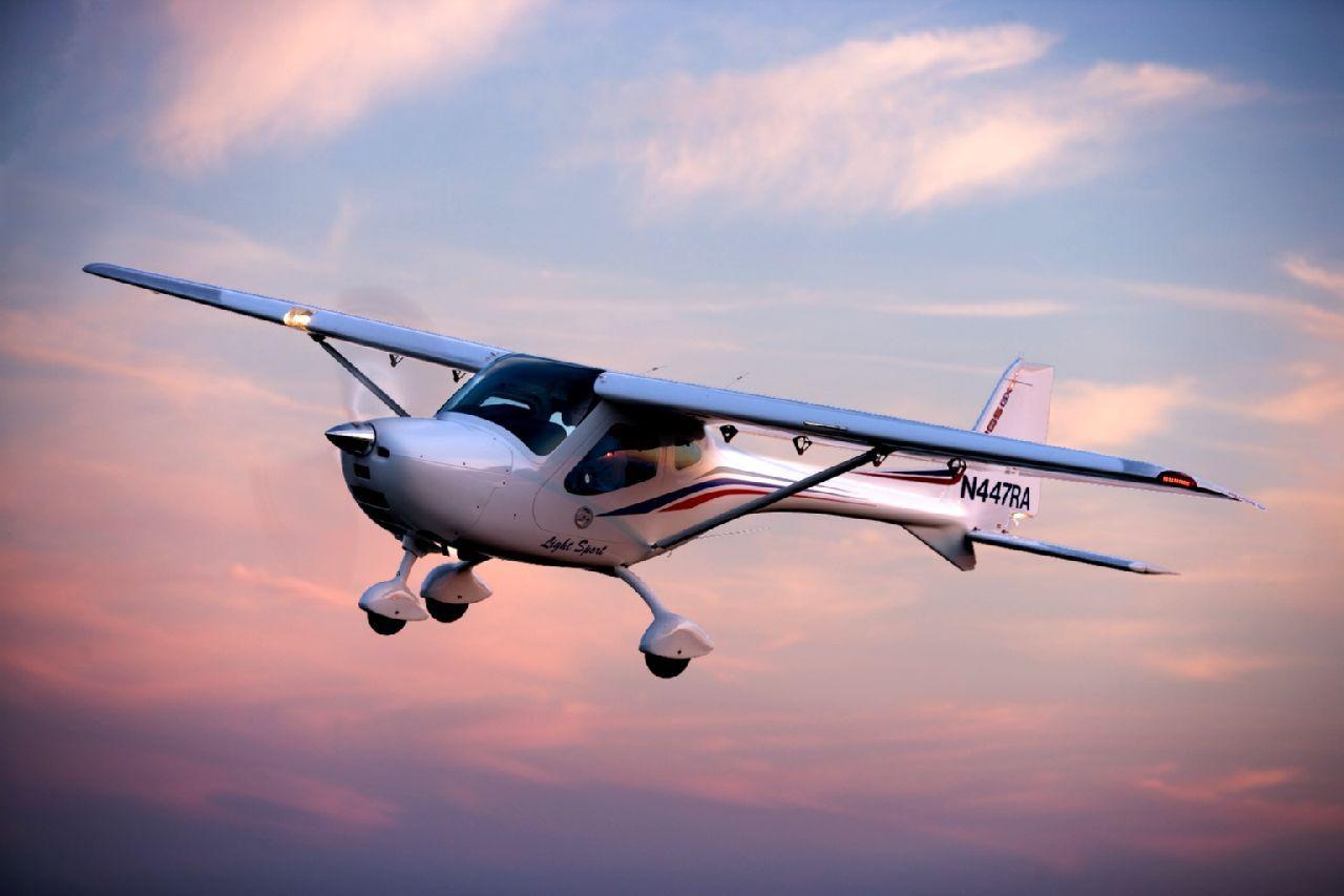 Fly a plane light sport aircraft pilot license flight