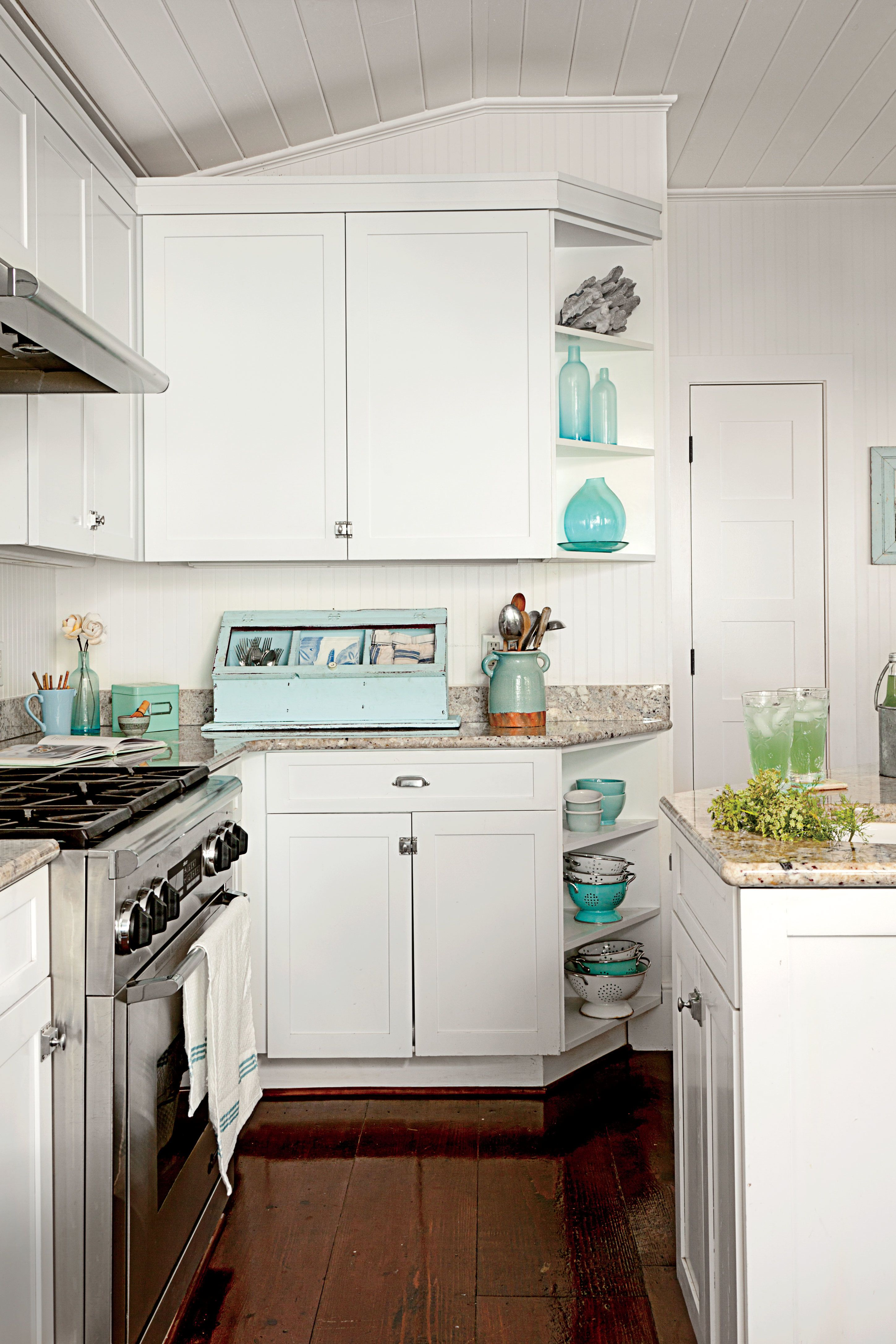7 Steps to Casual Beach House Style | Kitchen cabinet ...