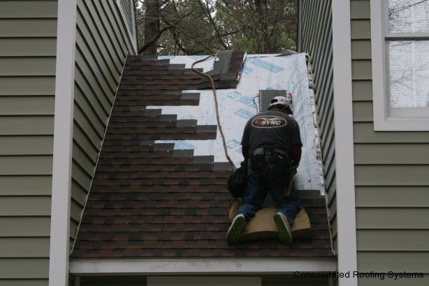 Best Crs Crew Member Installing A Gaf Timberline Hd Shingle In 400 x 300