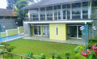 Villa Ab 4 Kamar Sewa Villa Di Puncak View Bagus Fasilitas Kolam Renang Billiard Hotel Pemandangan Indonesia