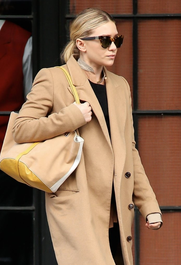 03316296e8e8 OLSENS ANONYMOUS ASHLEY OLSEN FASHION STYLE BLOG GET THE LOOK CAMEL COAT  TORT CAT EYE THE ROW LINDA FARROW SUNGLASSES COLLARLESS TOP TUNIC YELLOW  WHITE TAN ...
