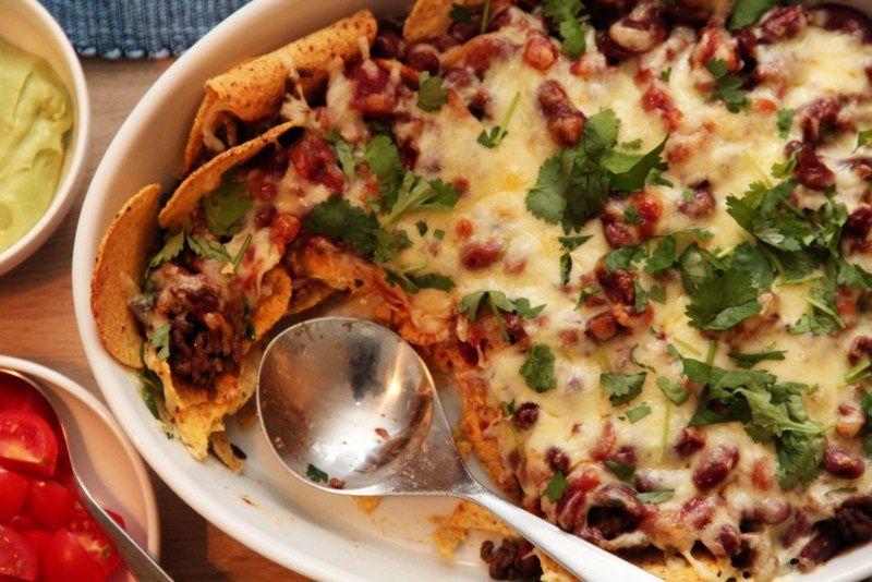 Kjapp nachos med salsa og guacamole