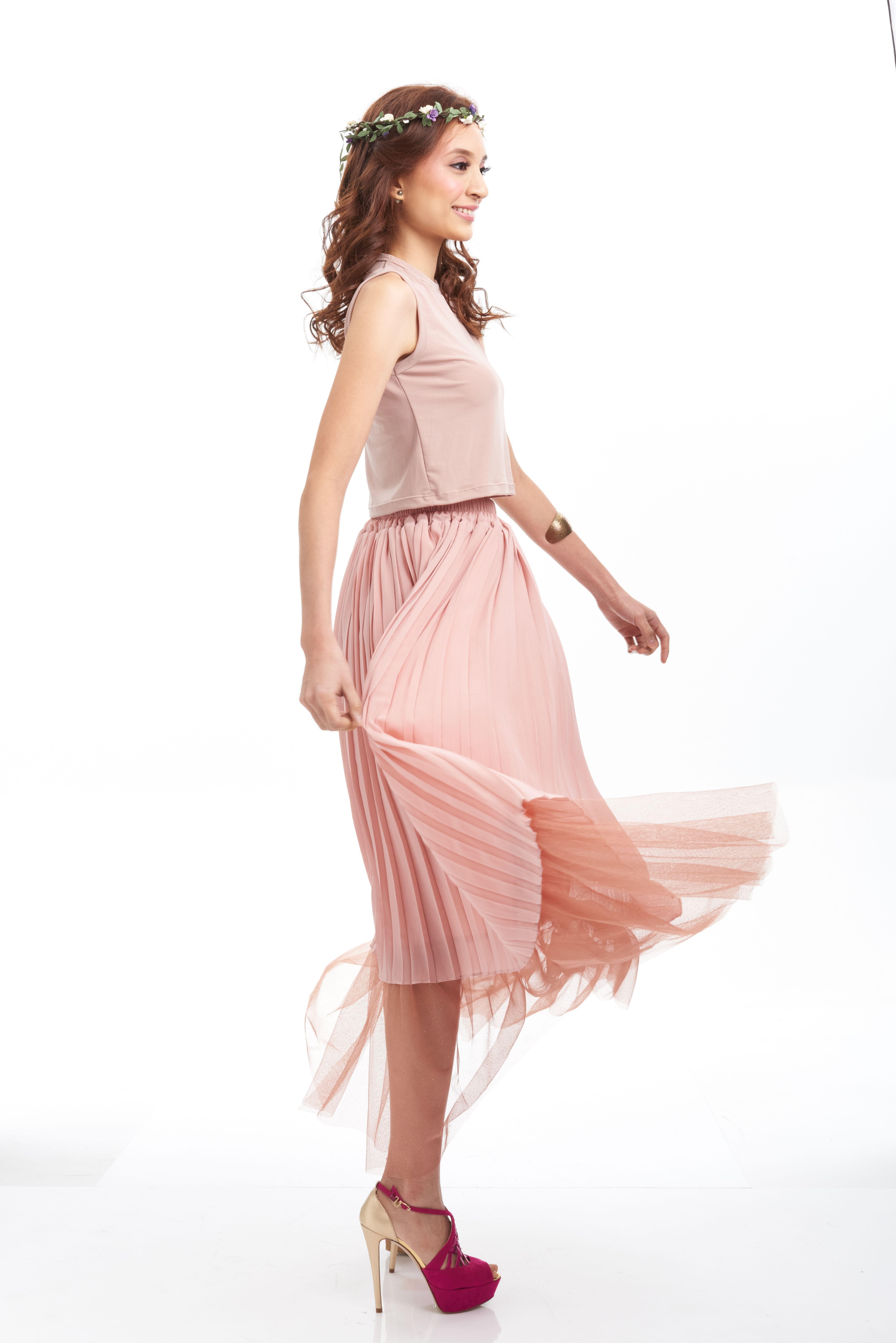 A little bit of pink to brighten the day, and blow the clouds away  #stylebysyaxseacitizen #seacitizencom  http://www.sea-citizen.com/stylebysya-carnation-blush-tulle-skirt
