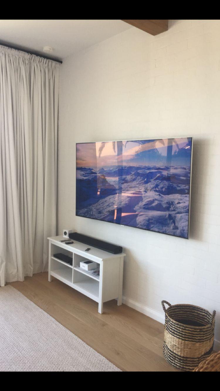 75 Samsung Qled Wall Mounted Wall Mounted Tv Tv Wall Samsung Tvs