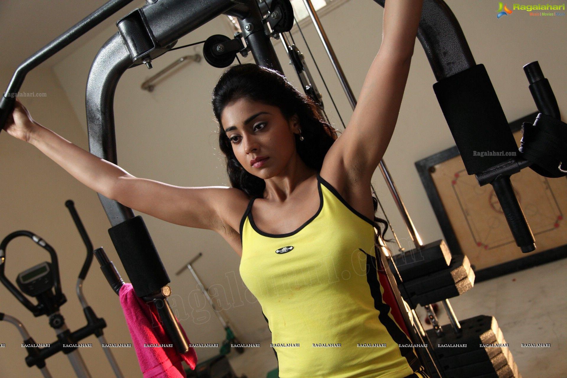 Shriya Saran Gym: Sexy, Sexy Bikini, Sports