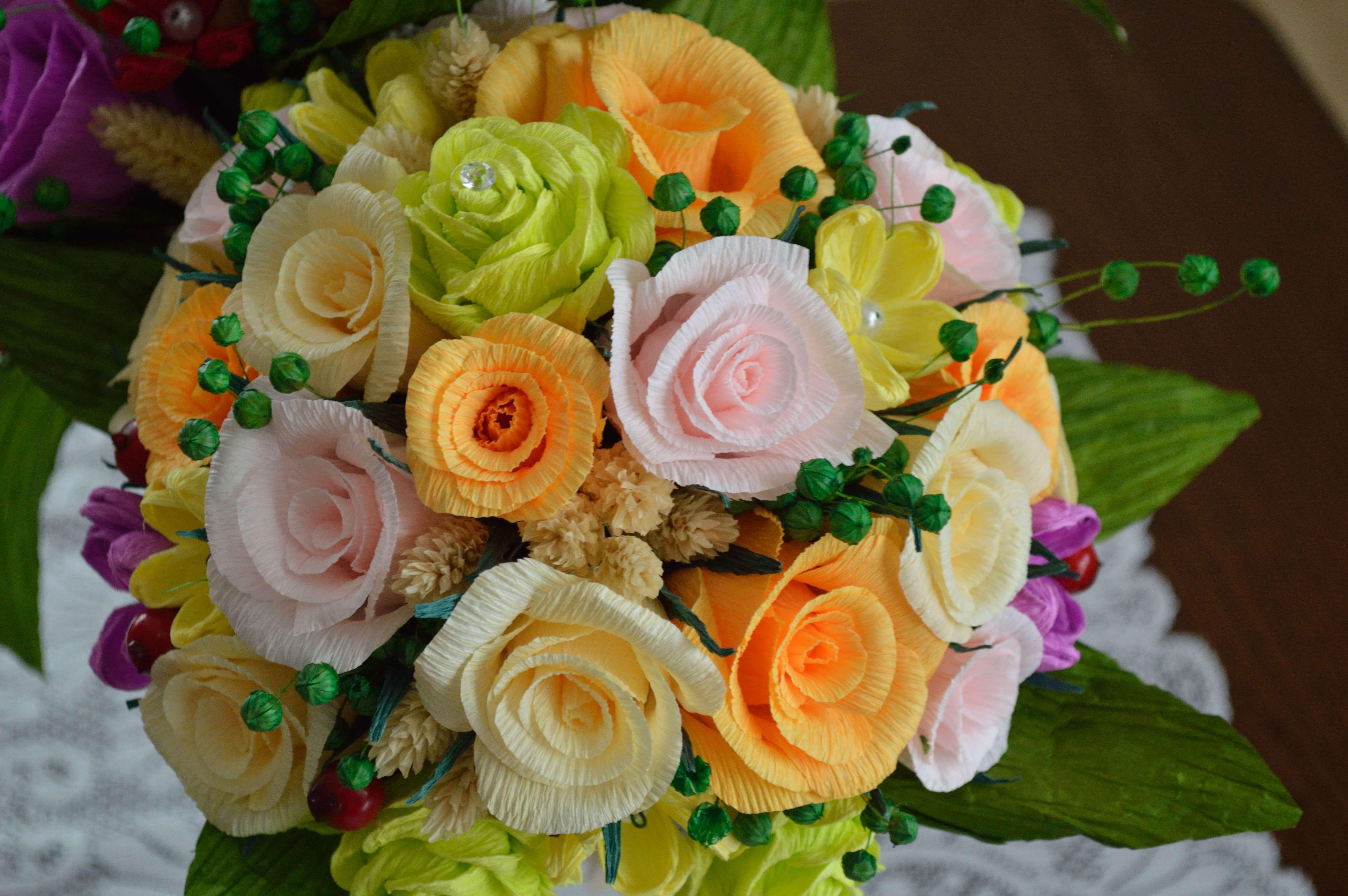 Bukiet Roz Z Krepiny Flowers Candy Cake
