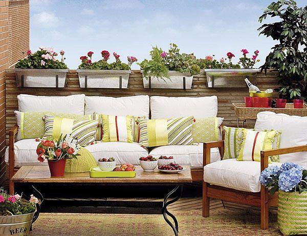sichtschutz balkon hohes holz paravent balkonpflanzen balkonien - sichtschutz balkon paravent