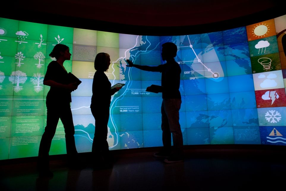 Hunt Library NCSU | Projects: NC State's Display-Filled Research Library Of The Future ...