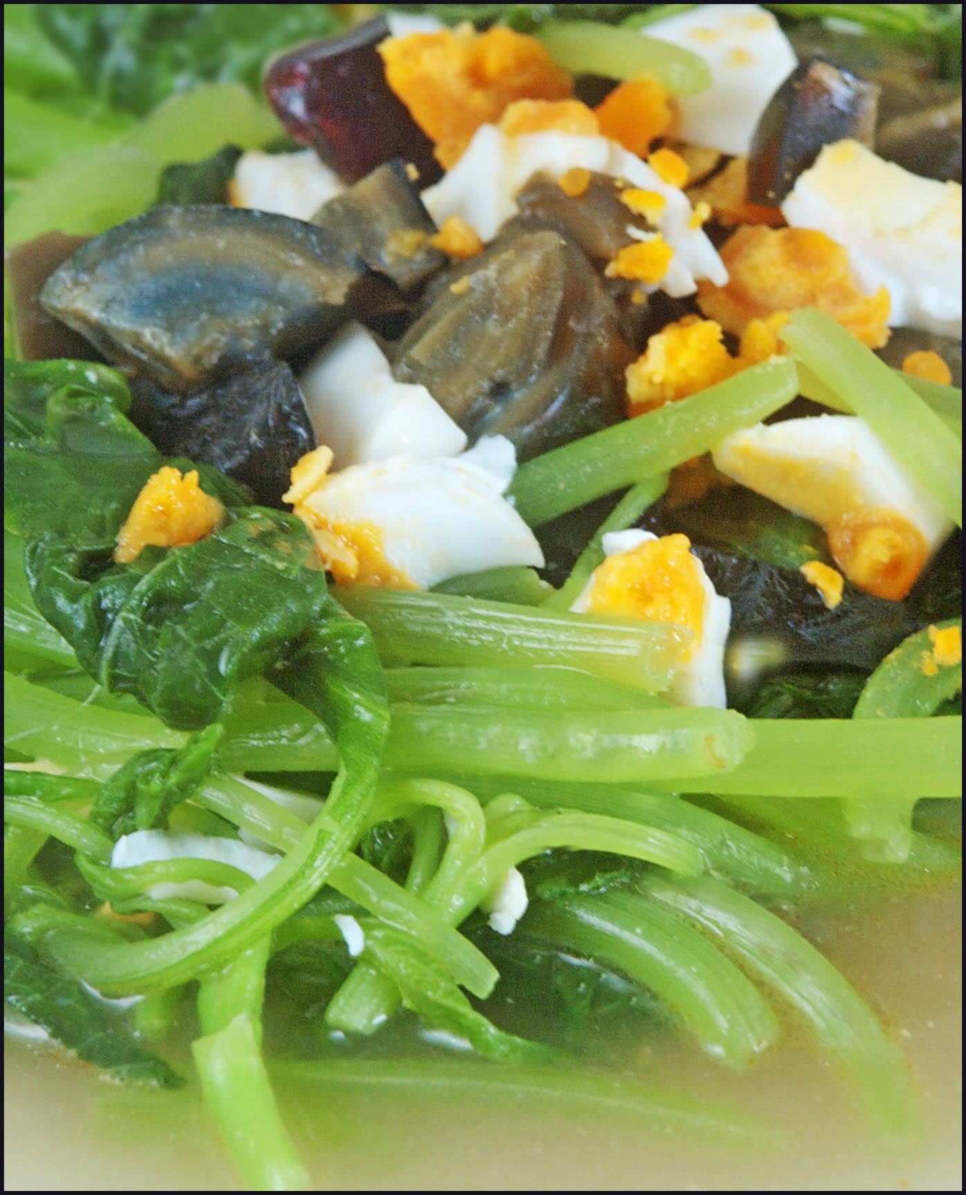 Kitchentigress spinach with egg and century eggs asian food chinese cuisine forumfinder Images