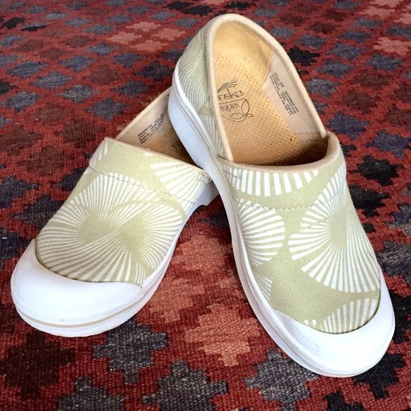 Vegan DANSKO Clogs size 38 Cotton canvas upper with slip resistant bottoms. Pre loved with minor signs of wear, mostly slight skid marks on the white rubber top. Happy to bundle! Dansko Shoes Mules & Clogs