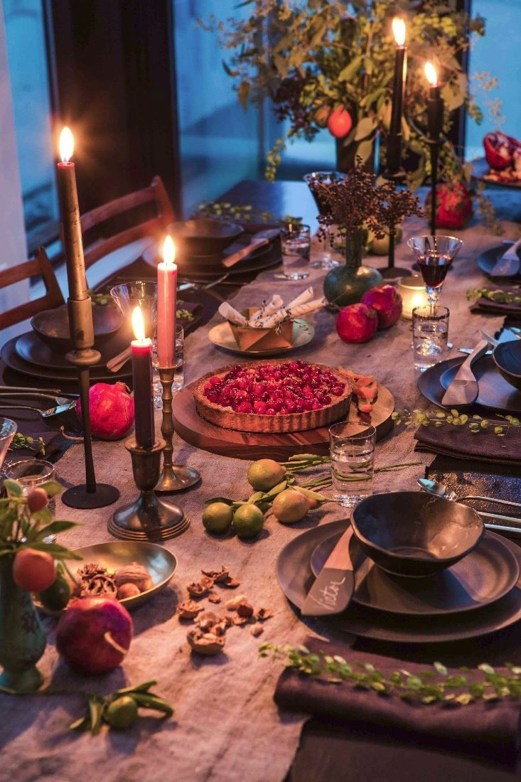 Illuminate Autumn With High End Candles Holiday Tabletop Holiday Tablescapes Tablescapes