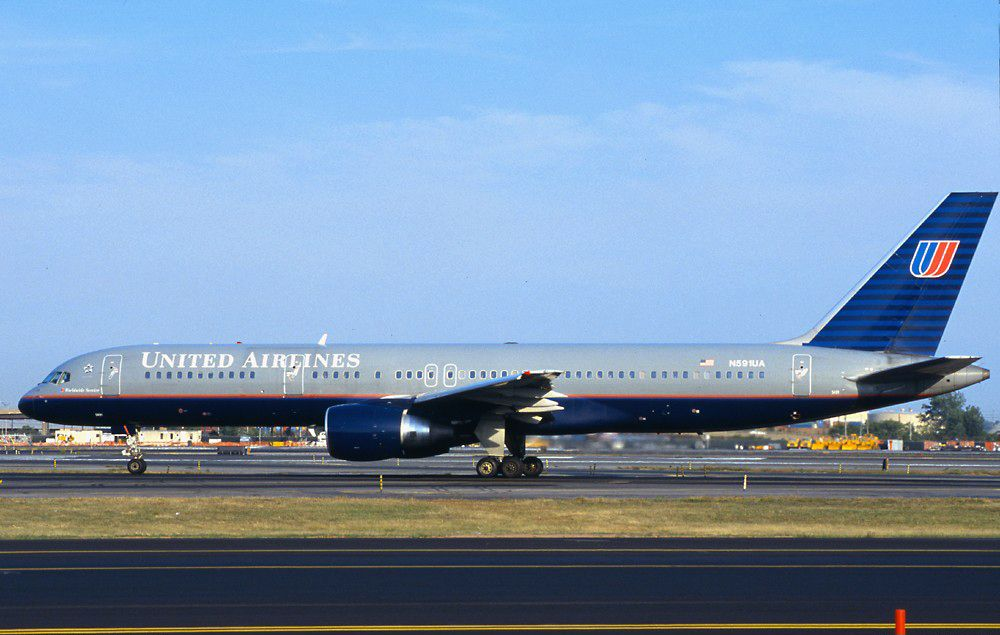 N591ua Taxiing On September 8 2001 Three Days Before It Was Hijacked The Hijacked Aircraft Was A Boeing 757 222 Regi United Airlines Airline Flights Boeing