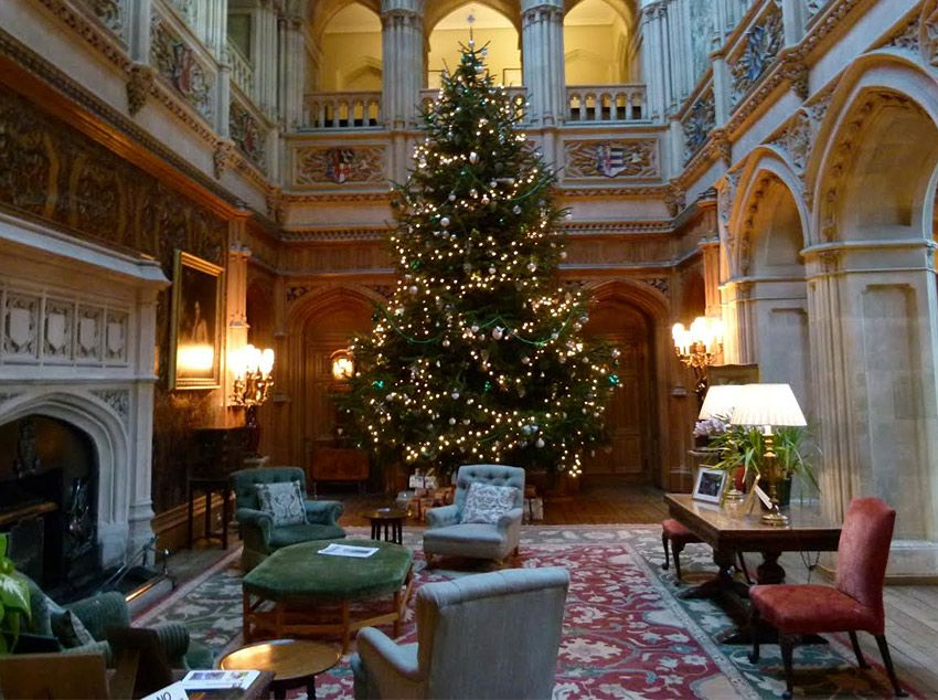 Christmas Tree at HIghclere Castle - Downton Abbey 2016 ...