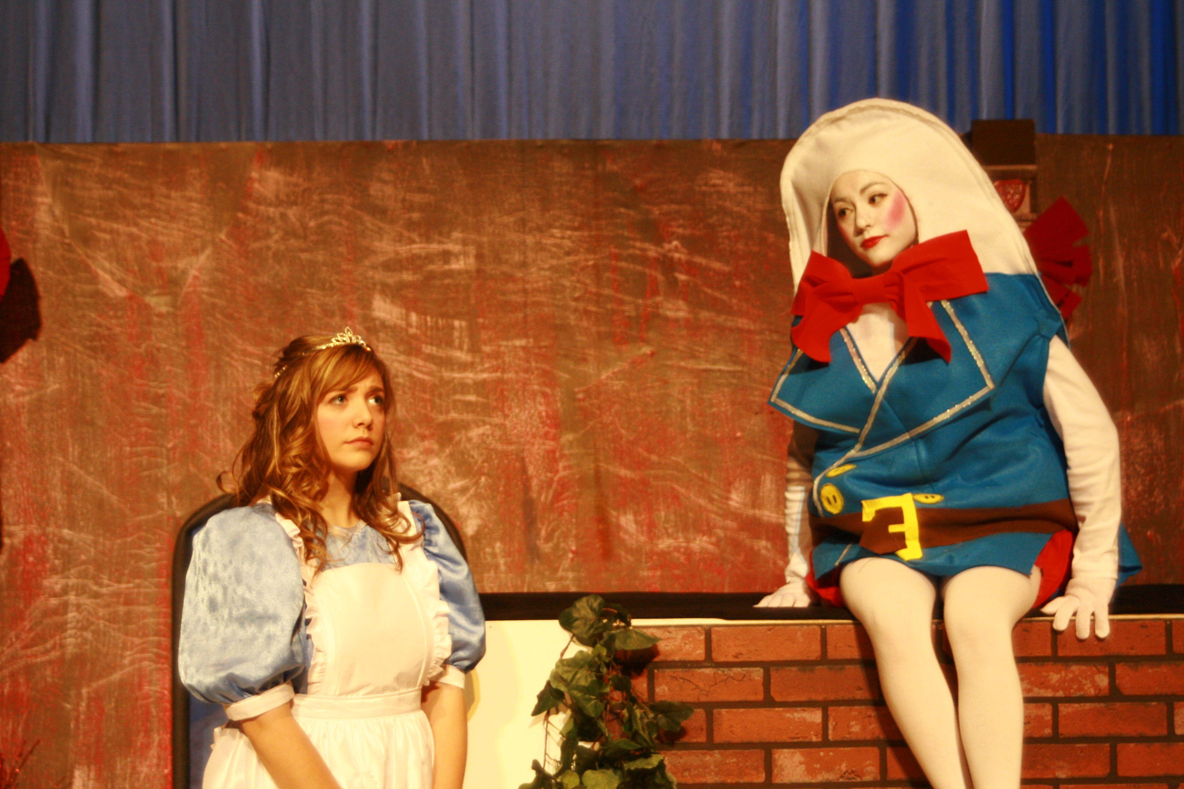 Humpty Dumpty costume for Alice   Alice in wonderland costume, Kids  theater, Wonderland costumes
