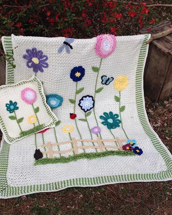 Field of Flowers Afghan & Pillow Set | Manta, Cobija y Colchas