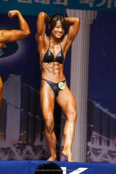 Asian women bodybuilding