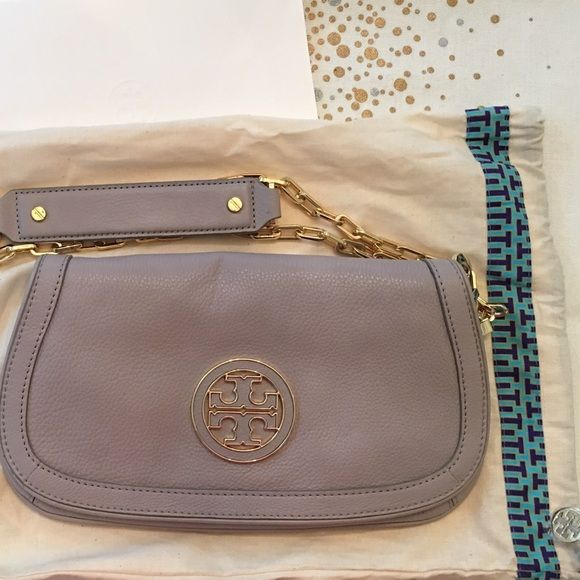 454be49c2a70 New Tory Burch Amanda Logo clutch NWOT Authentic Tory Burch Amanda Logo  Clutch crossbody purse in Mercury Gray. Includes detachable gold chain and  duster ...