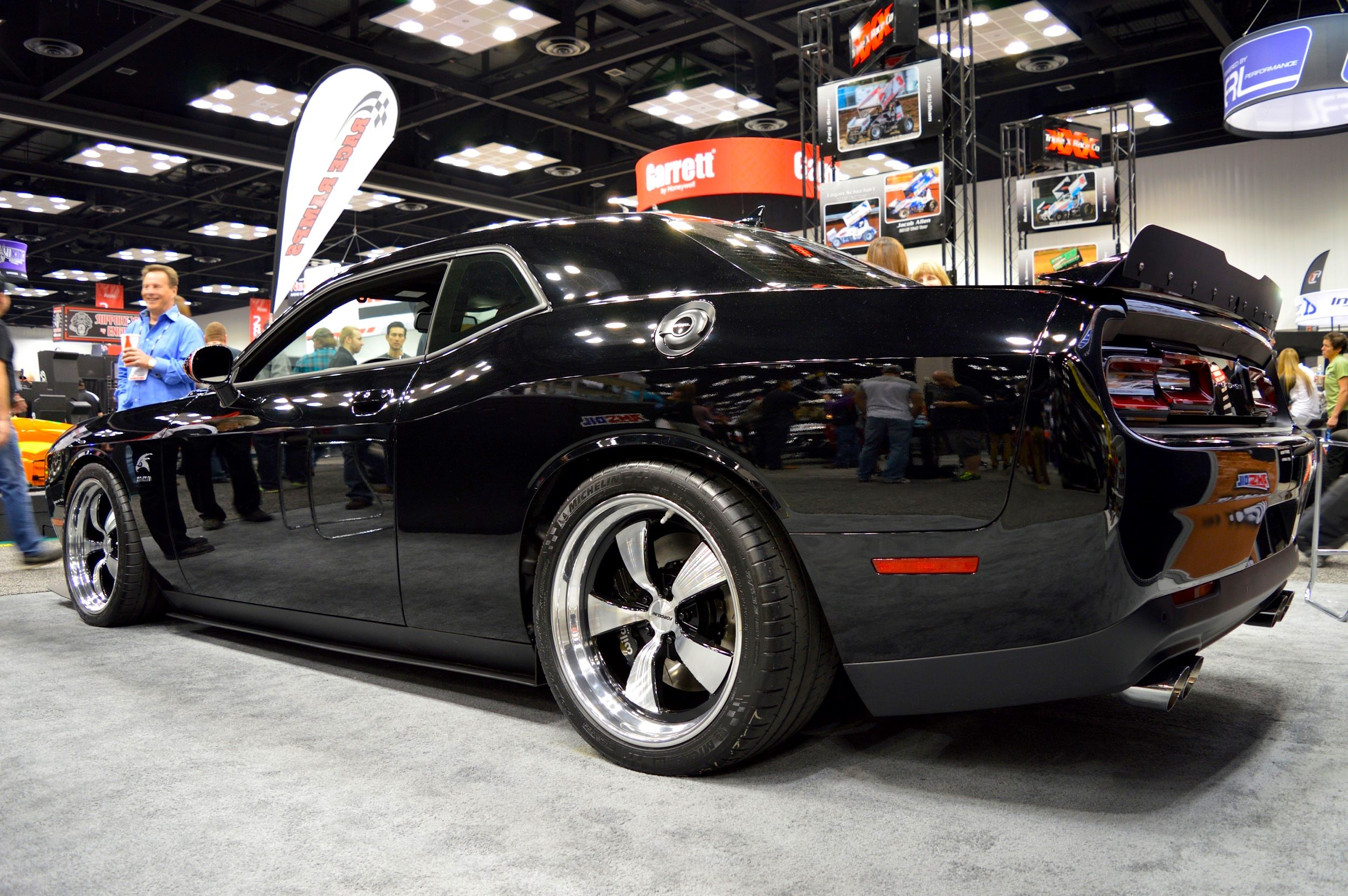 Bagged challenger r t stanceworks muscle cars pinterest dodge dodge challenger and cars