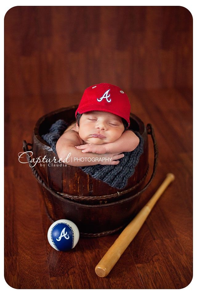Newborn baseball theme newborn photos sports themed newborn photos baby photography newborn