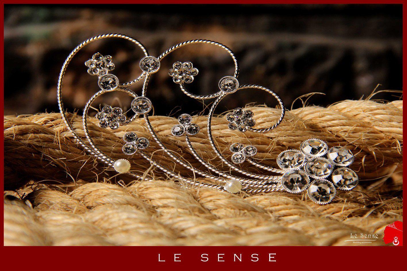 Unique handmade wedding silver hair pin crown tiara ,tiara crown ,head piece, hair comb ,hairpin inlaid with crystals and rhinestones #crowntiara