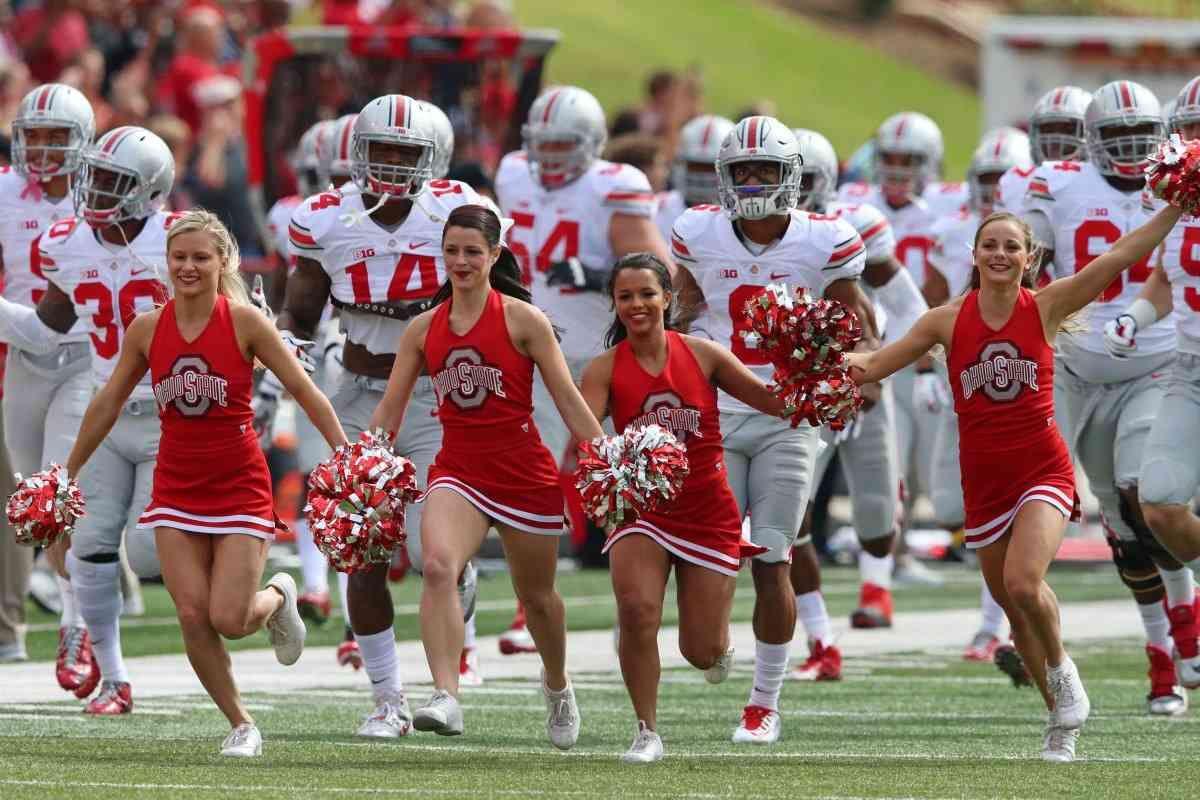 Ohio State Cheerleader Uniform   Ohio state cheerleaders ...