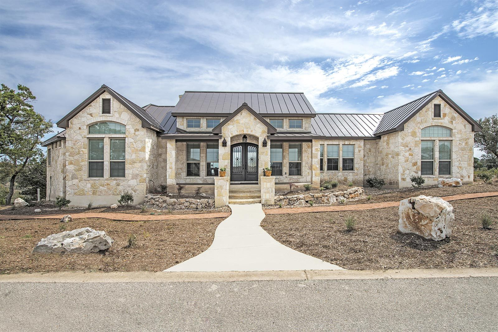 Front Elevations Custom Home Builder San Antonio Robare Custom Homes Country Home Exteriors Hill Country Homes Country House Design