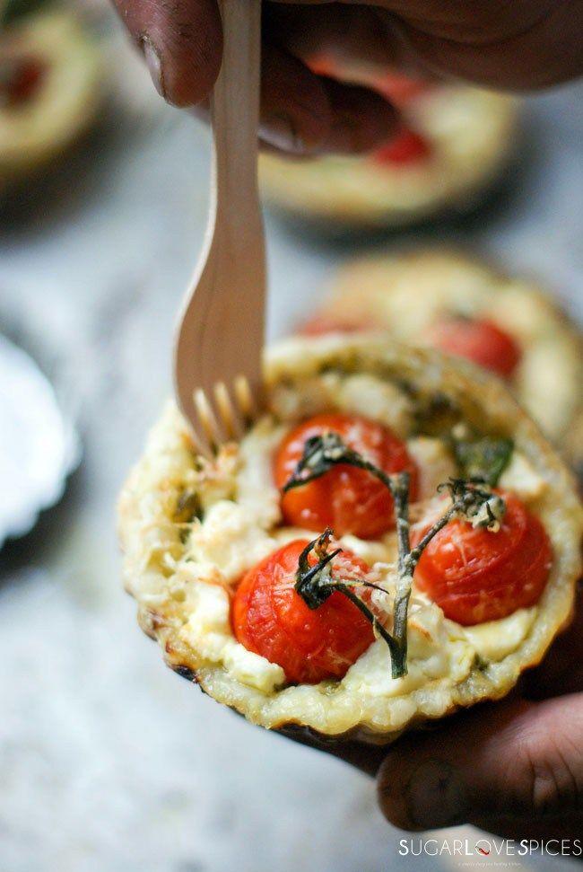 Tomato Goat Cheese Tartlets | Recette | Tarte salée, Mini ...