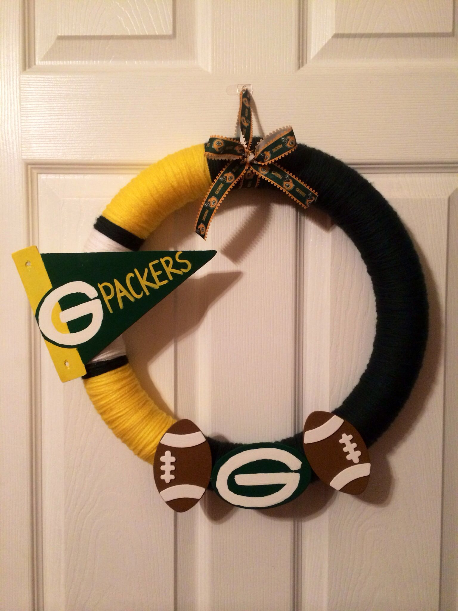 Green Bay Packers Yarn Wreath Made By 2 Crafty Mamas Check Us Out On Facebook For More How To Make Wreaths
