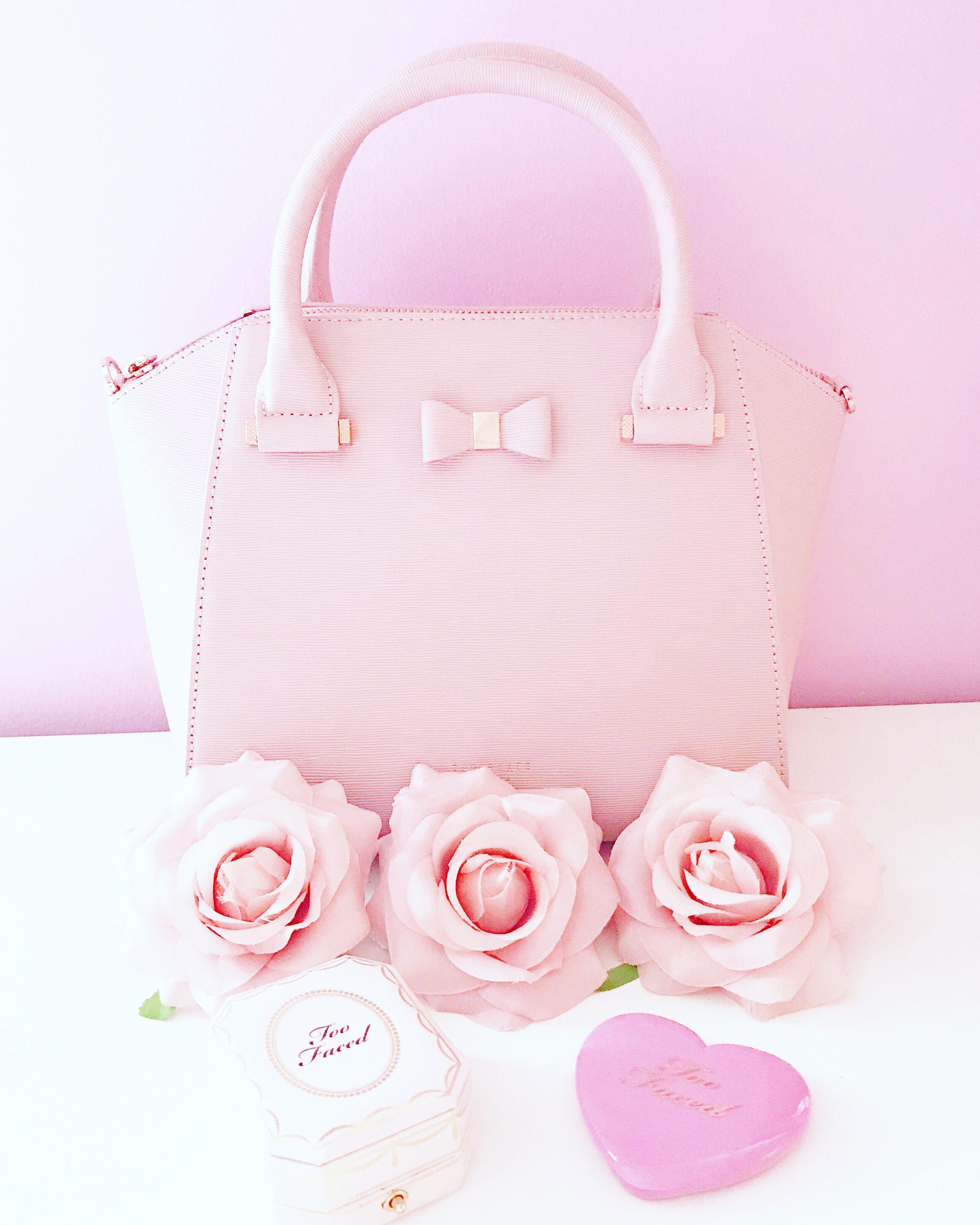 fdfd6c6f909434 Pink