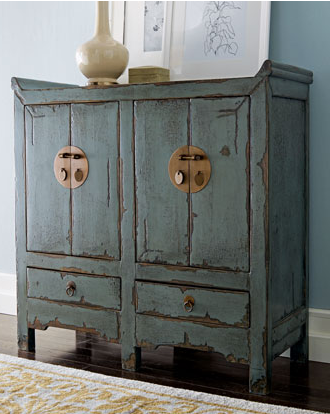Charmant Distressed Oak Furniture Using Country Livingu0027s Caromal Colours Distressing  Paints And Chipping Creme: Chocolate And Colonial Blue.