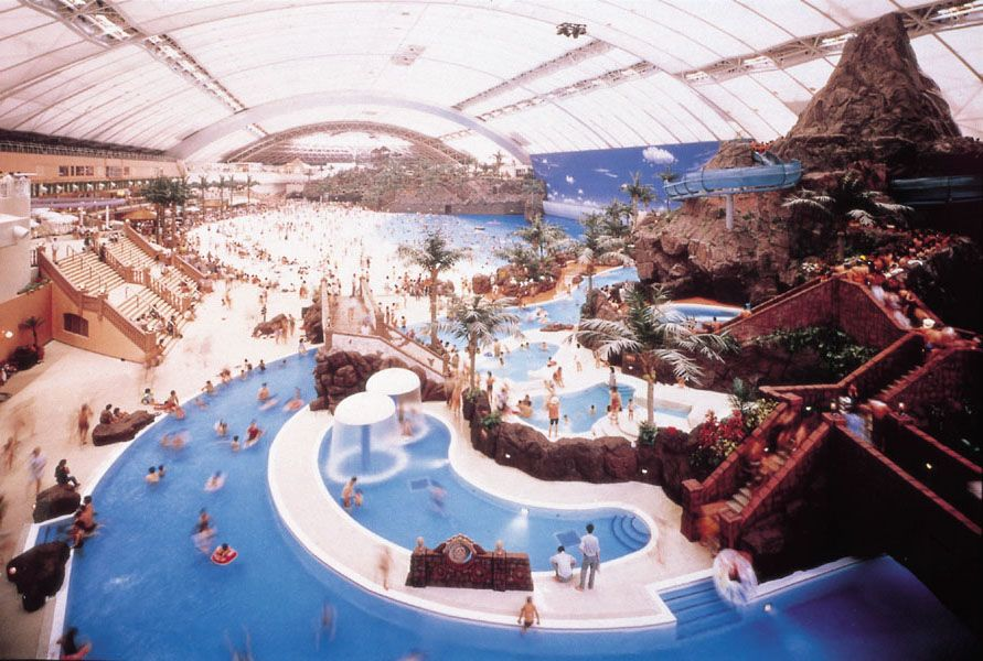 World Beautiful Places And Hotels Japan S Man Made Indoor Beach Indoor Waterpark Indoor Beach Beaches In The World