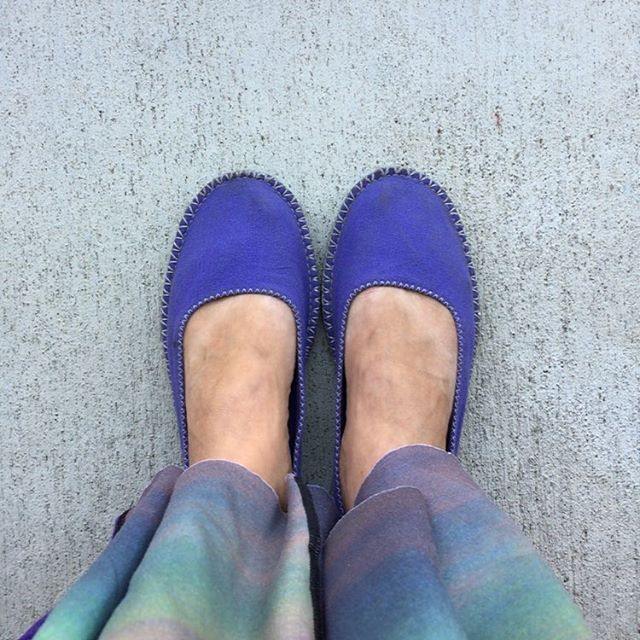 Happy Purple Shoes Day! It's a bit chilly this morning time for shoes not flops these shoes are both! Yay! So comfy! #shoesdaytuesday #nonflops