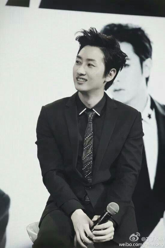 SUPER JUNIOR - EUNHYUK