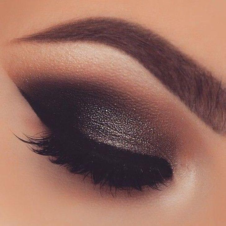 Photo of 99 fabelhafte Smokey Eye Make-up-Ideen für dieses Jahr   – Makeup – #dieses #Ey…